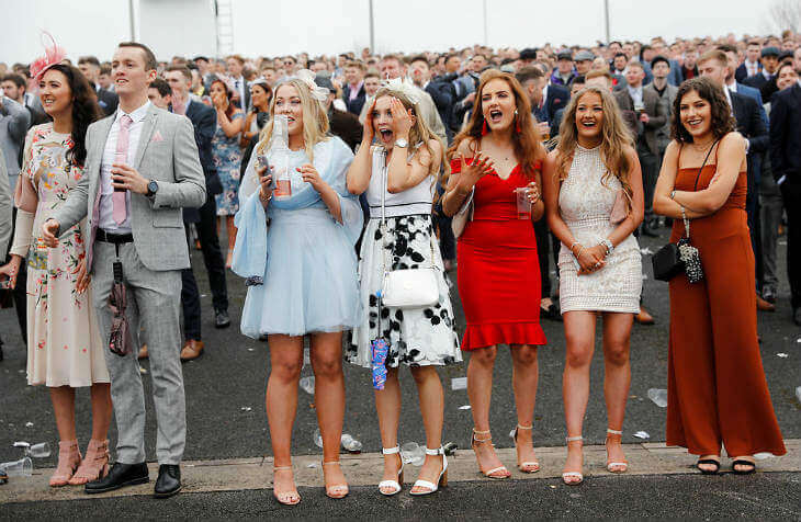 Aintree Grand National Ladies Day Grandnational Org Uk